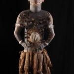 Machtfigur nkisi nkondi (Foto: Thomas Hartmann, Universitätsbibliothek Mainz)