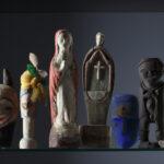 Holzfiguren aus dem Bwiti-Kult (Foto: Thomas Hartmann,Universitätsbibliothek Mainz)