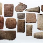 Übersicht der Keilschrifttexte (Foto: Thomas Hartmann, Universitätsbibliothek Mainz)