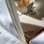 Gesangbuch mit einem Geschenkfach in Form einer Krone (Foto: Thomas Hartmann,Universitätsbibliothek Mainz)