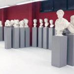 Blick in die Abguss-Sammlung mit der Galerie griechischer und römischer Porträts (Foto: Angelika Schurzig, Institut für Altertumswissenschaften)
