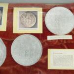 Abgüsse Edelmetall-Platten (Foto: Klaus T. Weber, Institut für Kunstgeschichte und Musikwissenschaft)