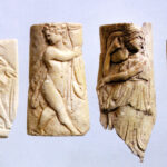 Elfenbein- und Knochenschnitzereien (Foto: Ursula Rudischer, Landesmuseum Mainz)