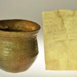 Kopie eines früheisenzeitlichen Tongefäßes aus Nienburg (Foto: Irene Bell, Institut für Altertumswissenschaften)